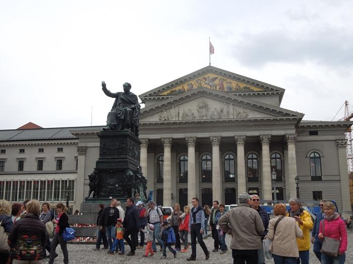 【ドイツ03】ドイツに乾杯!世界遺産ライン川とロマンチック街道6日間 ~ミュンヘンの町で本格的なビアホール体験~ (36)
