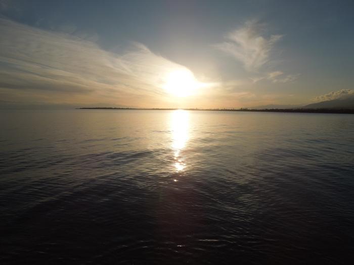 冬のイシククル湖へ!~チョルポン・アタの町より~ (2)