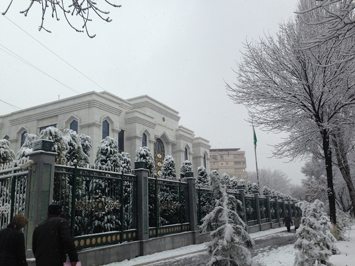 【移動情報】タシュケントからサマルカンド 雪の中のビザ取りとバストラブル (2)