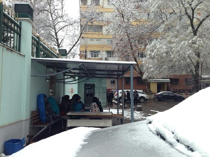 【移動情報】タシュケントからサマルカンド 雪の中のビザ取りとバストラブル (3)