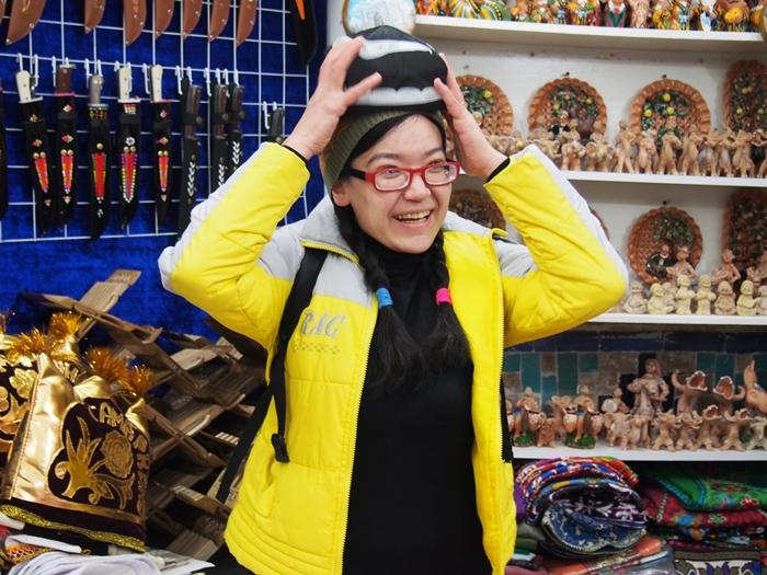 サマルカンド観光前編 世界遺産レギスタン広場で学生ガイドさんに遭遇!思わずため息の出る美しさ。。 (19)