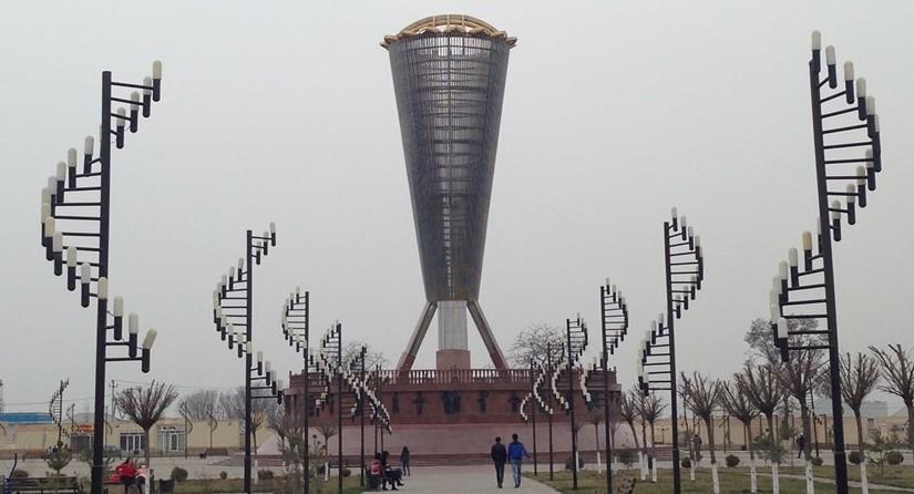 【カザフスタン01移動情報】陸路での国境越え。タシュケントからシムケントまで。少しだけシムケント観光