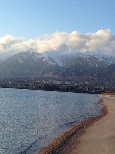 冬のイシククル湖へ!~チョルポン・アタの町より~ (20)