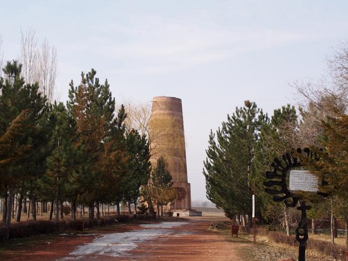 ブラナの塔とバラサグン遺跡、そして三蔵法師の足跡に触れるアク・ベシム遺跡 (14)