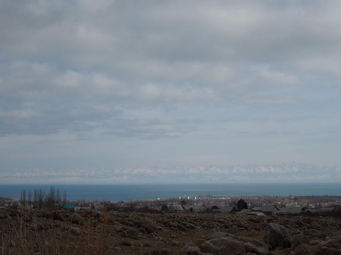 冬のイシククル湖へ!~チョルポン・アタの町より~ (10)