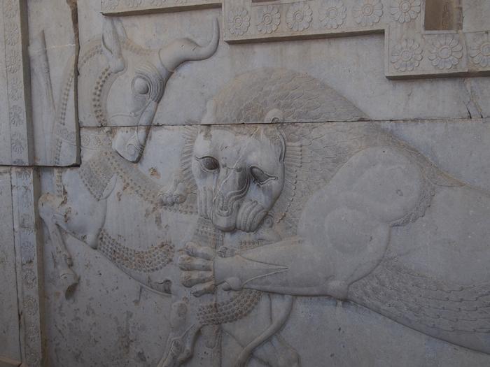 世界遺産ペルセポリス ペルシャ繁栄の面影を残すアパダーナのレリーフに釘付け (26)