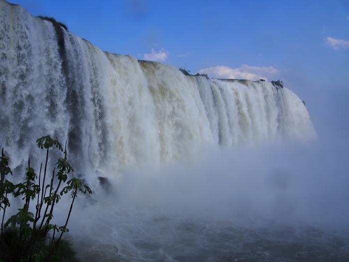 世界遺産のイグアスの滝 第二弾はブラジル側~水しぶきをびっしゃりかぶるの巻~ (1)