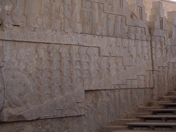 世界遺産ペルセポリス ペルシャ繁栄の面影を残すアパダーナのレリーフに釘付け (27)