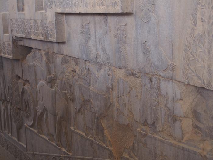 世界遺産ペルセポリス ペルシャ繁栄の面影を残すアパダーナのレリーフに釘付け (29)