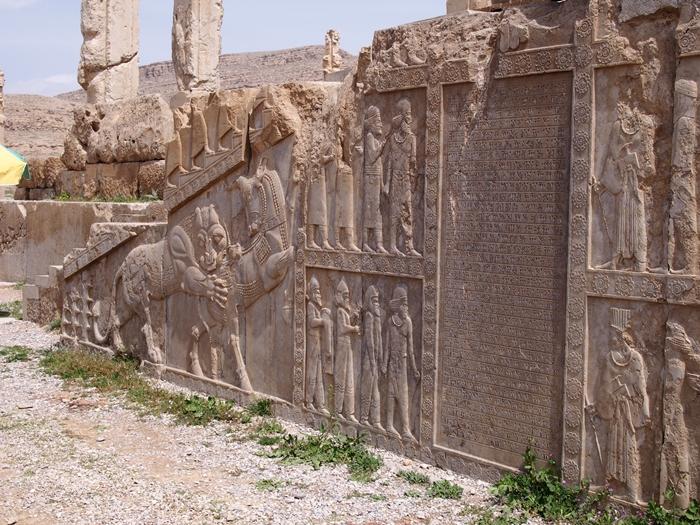 世界遺産ペルセポリス ペルシャ繁栄の面影を残すアパダーナのレリーフに釘付け (37)