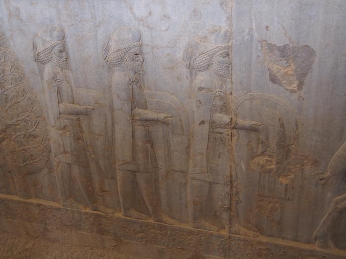 世界遺産ペルセポリス ペルシャ繁栄の面影を残すアパダーナのレリーフに釘付け (31)