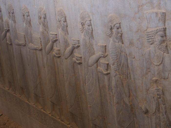 世界遺産ペルセポリス ペルシャ繁栄の面影を残すアパダーナのレリーフに釘付け (33)