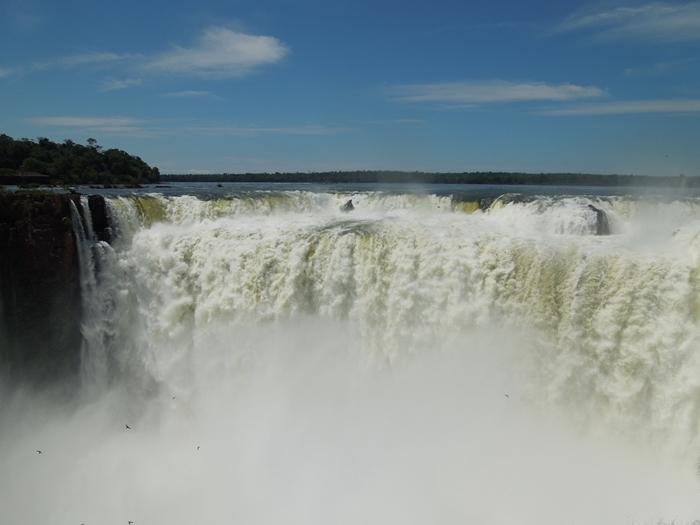 世界遺産のイグアスの滝、まずはアルゼンチン側~悪魔の喉笛迫力ありすぎます~ (10)