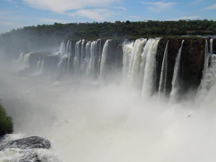 世界遺産のイグアスの滝、まずはアルゼンチン側~悪魔の喉笛迫力ありすぎます~ (11)