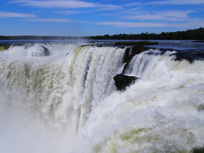 世界遺産のイグアスの滝、まずはアルゼンチン側~悪魔の喉笛迫力ありすぎます~ (25)