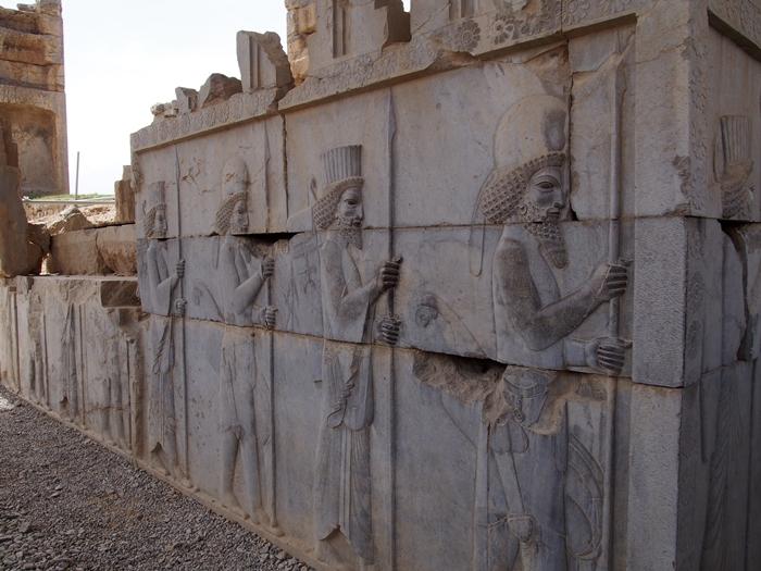 世界遺産ペルセポリス ペルシャ繁栄の面影を残すアパダーナのレリーフに釘付け (25)