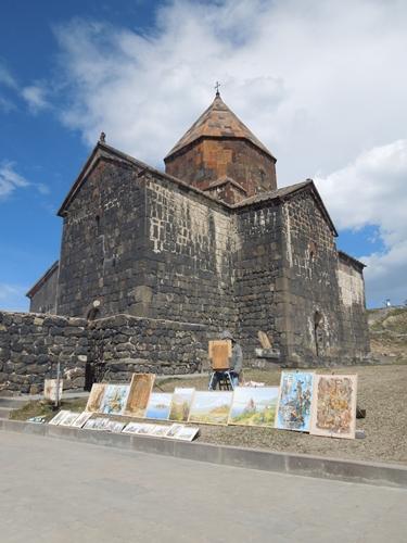 セヴァン湖ツアー!青い湖、赤茶色の教会修道院、そして明るいお墓。。 (10)