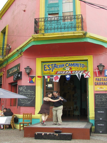 【アルゼンチン08】カラフルな町並みのカミニートと、世界で2番目に美しい本屋El ATENEO GRAND SPLENDID (15)
