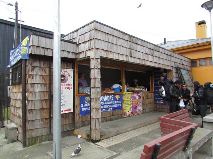【チリ08 世界遺産】カラフルなカストロ(チロエ島)の町歩き (14)