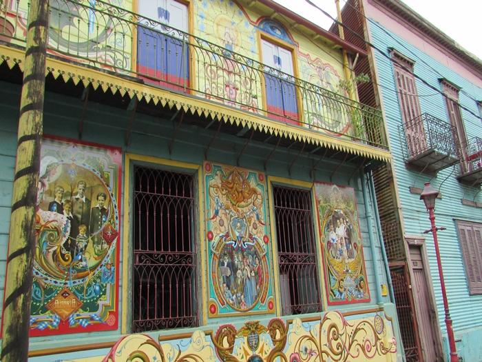【アルゼンチン08】カラフルな町並みのカミニートと、世界で2番目に美しい本屋El ATENEO GRAND SPLENDID (14)