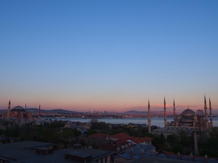 【トルコ03】夜のイスタンブール 眺めの良いレストラン発見! (22)