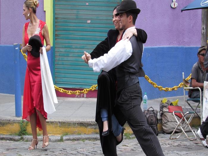 【アルゼンチン08】カラフルな町並みのカミニートと、世界で2番目に美しい本屋El ATENEO GRAND SPLENDID (2)