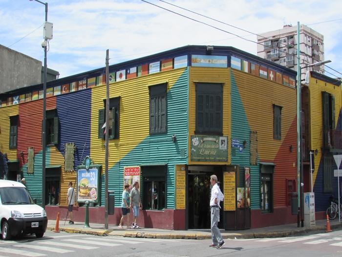 【アルゼンチン08】カラフルな町並みのカミニートと、世界で2番目に美しい本屋El ATENEO GRAND SPLENDID (29)