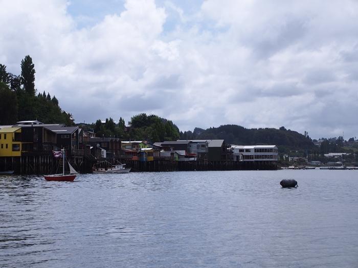 【チリ08 世界遺産】カラフルなカストロ(チロエ島)の町歩き (32)