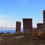 【アルメニア04】セヴァン湖ツアー!青い湖、赤茶色の教会/修道院、そして明るいお墓。。