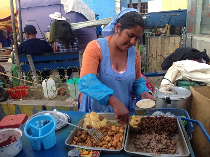 【ボリビア03】ウユニの食事、宿、旅行会社情報 (13)