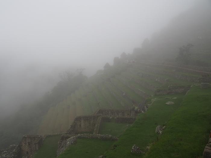 【ペルー06 世界遺産】雨降りしきる空中都市マチュピチュ (1)