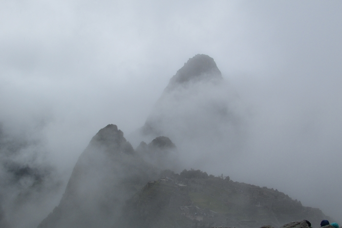 【ペルー06 世界遺産】雨降りしきる空中都市マチュピチュ (4)