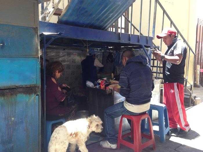 【ボリビア03】ウユニの食事、宿、旅行会社情報 (29)
