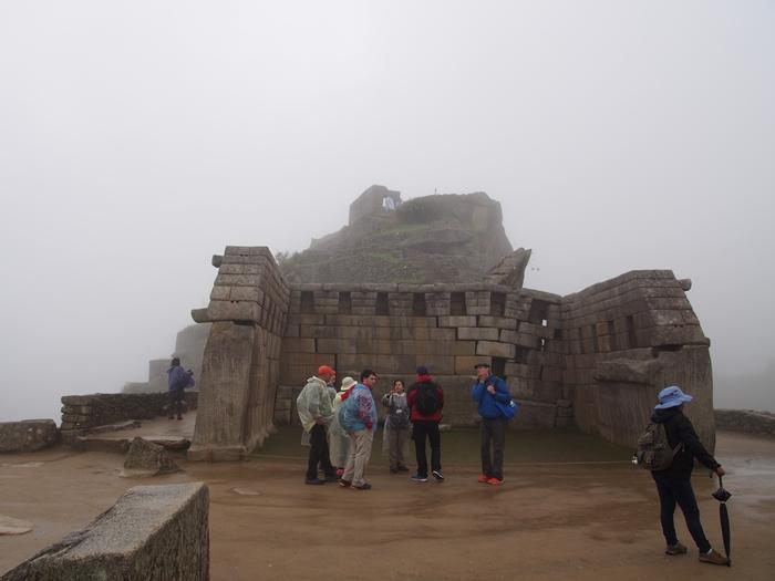 【ペルー06 世界遺産】雨降りしきる空中都市マチュピチュ (20)