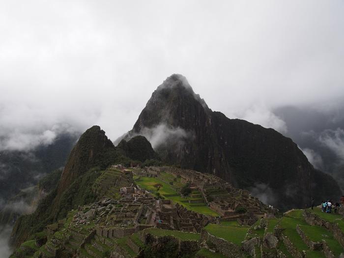 【ペルー06 世界遺産】雨降りしきる空中都市マチュピチュ (11)