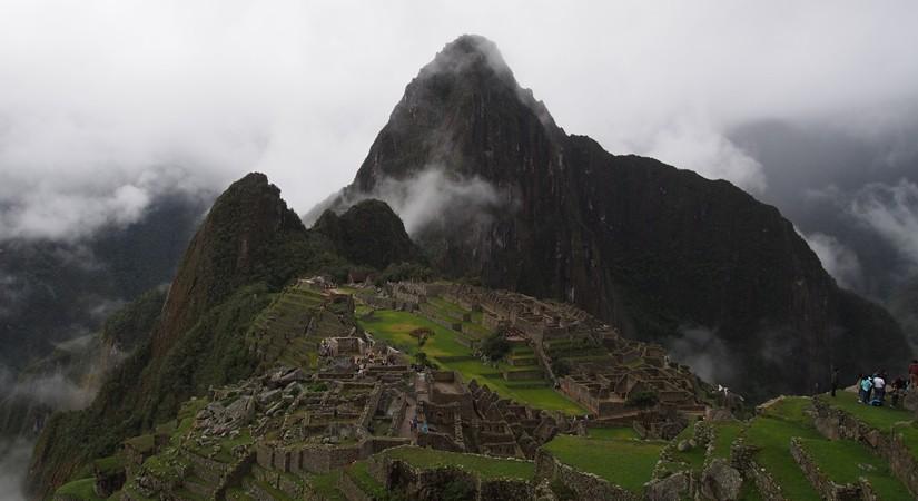 【ペルー06 世界遺産】雨降りしきる空中都市マチュピチュ