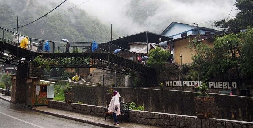 【ペルー07】ここは箱根か?マチュピチュ村散歩
