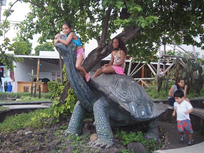 【エクアドル04】プエルト・アヨラサンタクルス島の宿、レストラン、移動情報などあれこれ ガラパゴスPart3 (39)