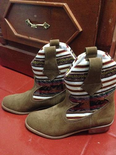 【ペルー14】クスコで自分だけの靴を作ってもらおう! (1)