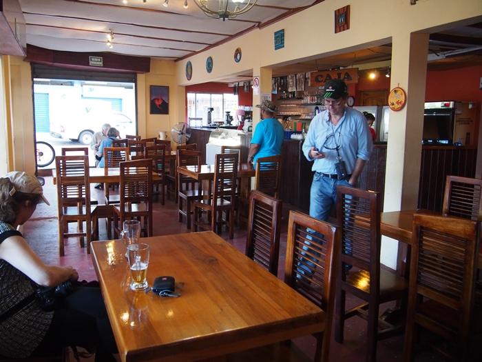 【エクアドル06】プエルト・バケリソ・モレノサンクリストバル島の宿、レストラン情報などあれこれ ガラパゴスPart5 (28)
