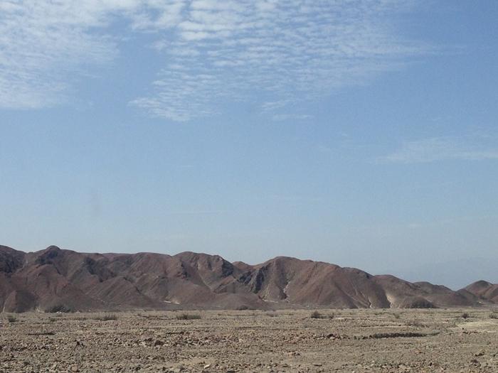 【ペルー11 移動&宿情報+世界遺産】クスコからイカへ(ナスカ経由)。そしてミラドールからの地上絵「手」と「木」 (3)
