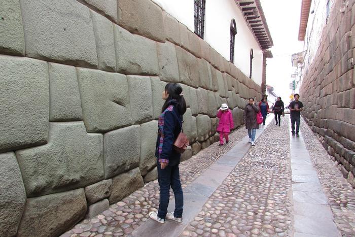【ペルー09 世界遺産】石畳みの世界遺産クスコ町歩き (8)
