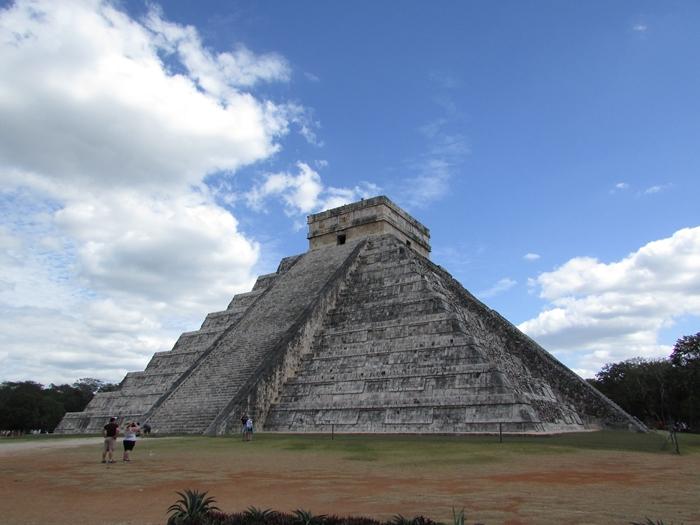 ピラミッド、天文学、イケニエ。マヤ文明最高峰の遺跡チチェン・イッツァ! (1)