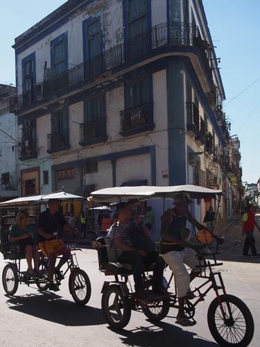 【キューバ04 世界遺産】革命の爪痕残るハバナ。革命広場にはチェ・ゲバラの姿~ハバナ観光2~ (27)