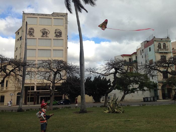 【キューバ04 世界遺産】革命の爪痕残るハバナ。革命広場にはチェ・ゲバラの姿~ハバナ観光2~ (13)