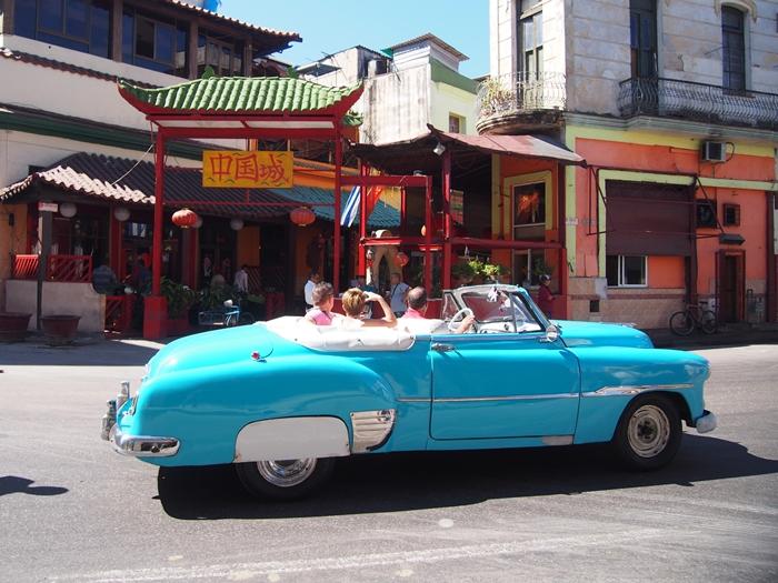 【キューバ03 世界遺産】ヘミングウェイの愛したハバナ。歴史を感じるクラシックカーとコロニアルな町並み~ハバナ観光1~ (35)
