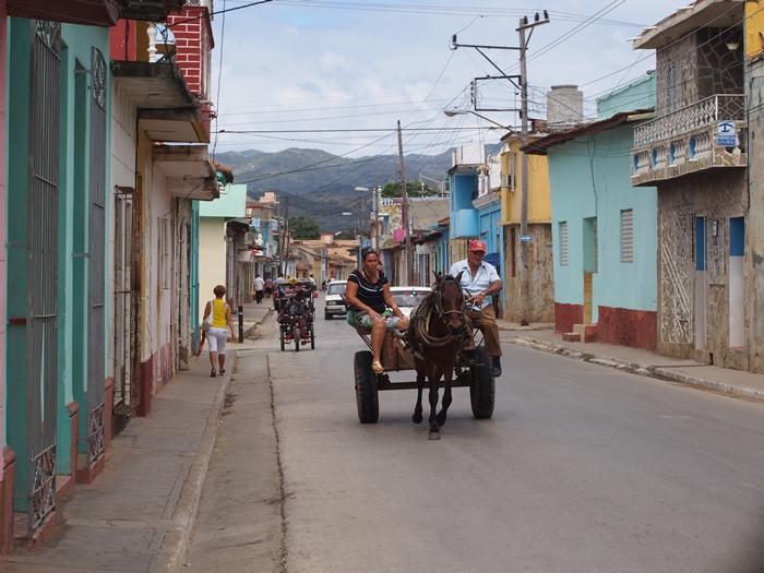 【キューバ07 世界遺産】アートとパステルカラーの建物の町トリニダー。久しぶりの人種差別被害も。。 (16)