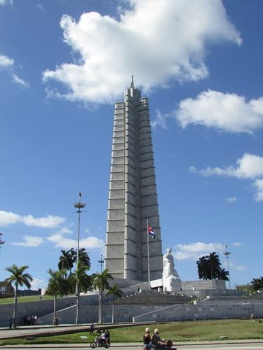【キューバ04 世界遺産】革命の爪痕残るハバナ。革命広場にはチェ・ゲバラの姿~ハバナ観光2~ (6)