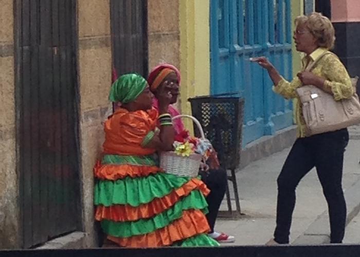 【キューバ03 世界遺産】ヘミングウェイの愛したハバナ。歴史を感じるクラシックカーとコロニアルな町並み~ハバナ観光1~ (12)