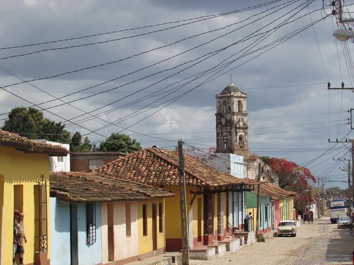 【キューバ07 世界遺産】アートとパステルカラーの建物の町トリニダー。久しぶりの人種差別被害も。。 (8)